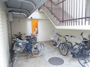 自転車置き場.JPG